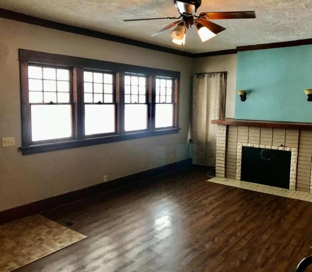Living room featured at 313 Maple St, Cawker City, KS 67430