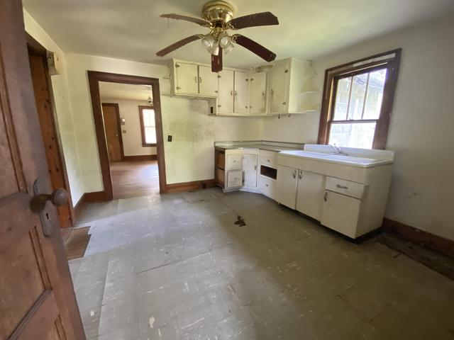 Kitchen featured at 3272 Willow Tree Rd, Ewing, VA 24248