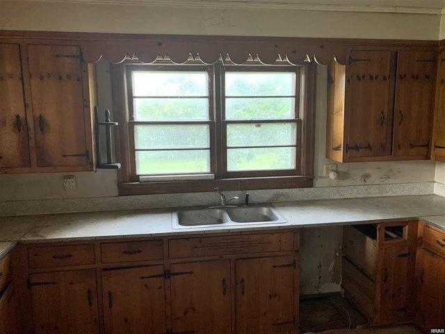Kitchen featured at 8284 Highway 89, Palmersville, TN 38241