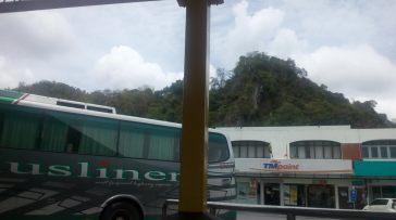 Terminal Bas Bukit Lagi, bukit tulah kot Buit Lagi.