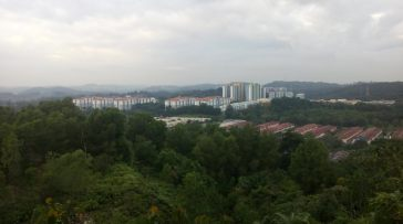 view from checkpoint antara centipede hill dan monkey hill
