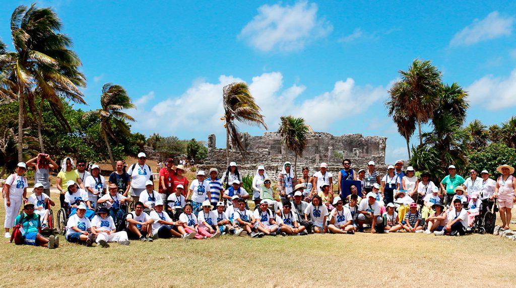 Beneficiarios durante el Campamento Cancun 2019