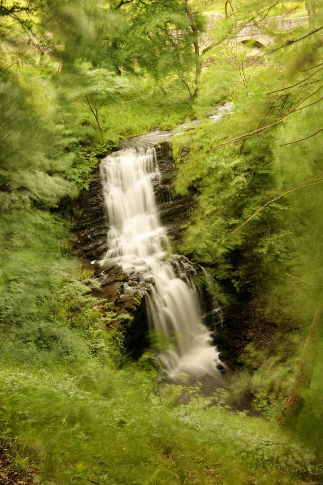 Scalebar Force waterfall near Settle