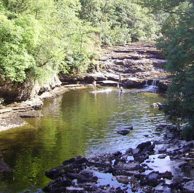 Great Things To Do In The Yorkshire Dales National Park - Aysgarth Upper Falls