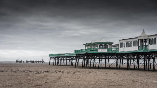 11 Lovely Locations in Lancashire - St Annes Pier - Lytham St Annes