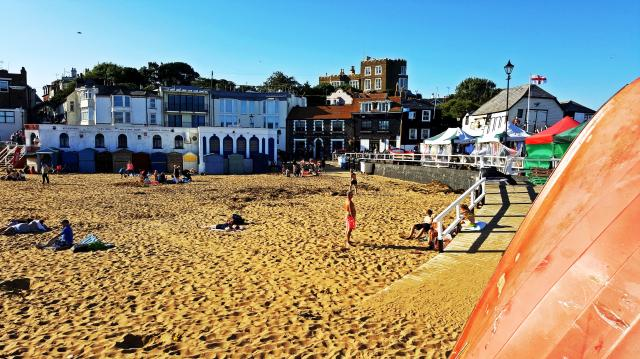 The 11 Best Beaches In England You Must Visit - Broadstairs, Kent