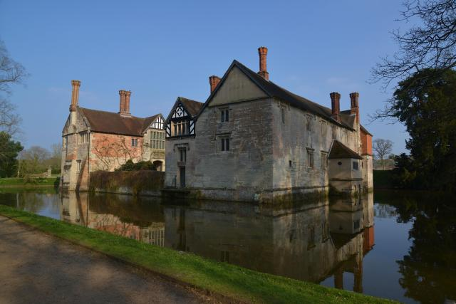21 Fascinating Things To Do In Warwickshire - Baddesley Clinton