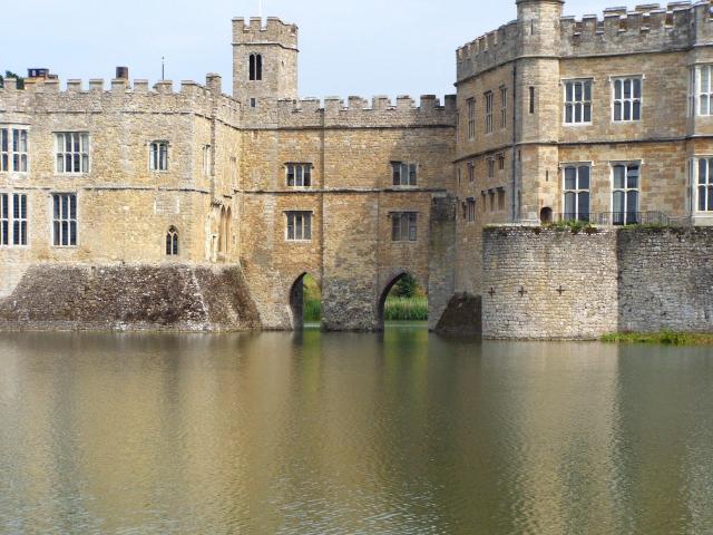 Britain's 17 Most Amazing Castles You Must Visit - Leeds Castle