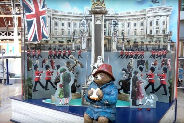 Cool or unusual things to do in England - Paddington Bear at Paddington Station