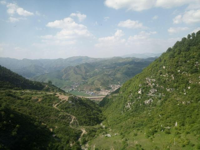 Great Rail Journeys Of The World Yet To Be Discovered - Yunnan to Chengdu Train