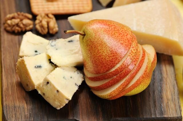 Great Eats of Britain: 61 Traditional British Foods To Try On Your Travels - Stilton, Pear and Walnuts