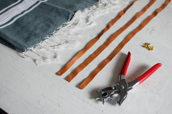 DIY Sangle de serviette de plage en cuir