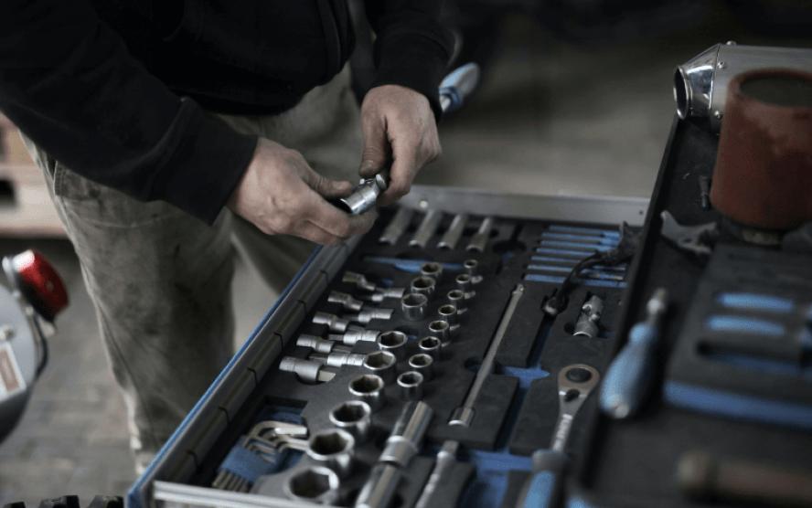 Monte sua caixa de ferramentas para facilitar as atividades na oficina mecânica!
