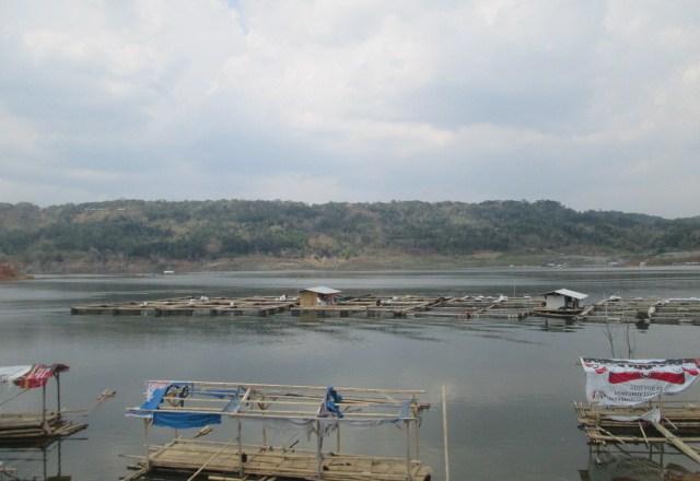 Erwan:  Bongkar 326 Kolam Jaring Apung di Waduk Jatigede!