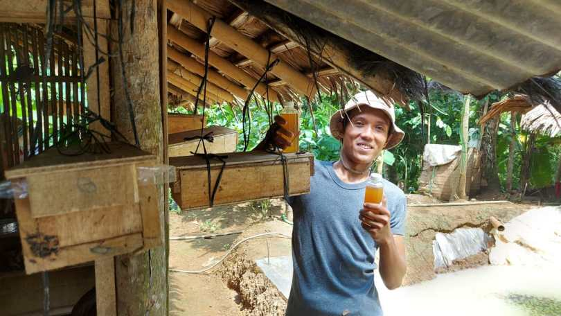 Awalnya Lambung Bermasalah, Kini Nono Beternak Lebah