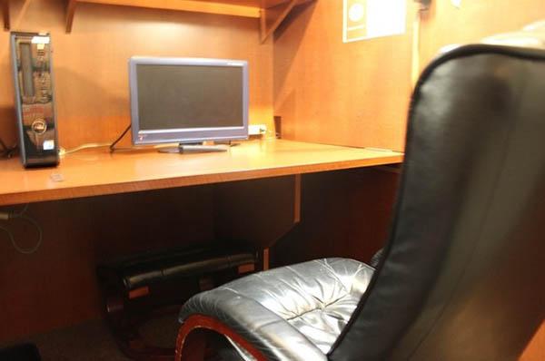 カジノカフェはインターネットカフェの裏で行われる
