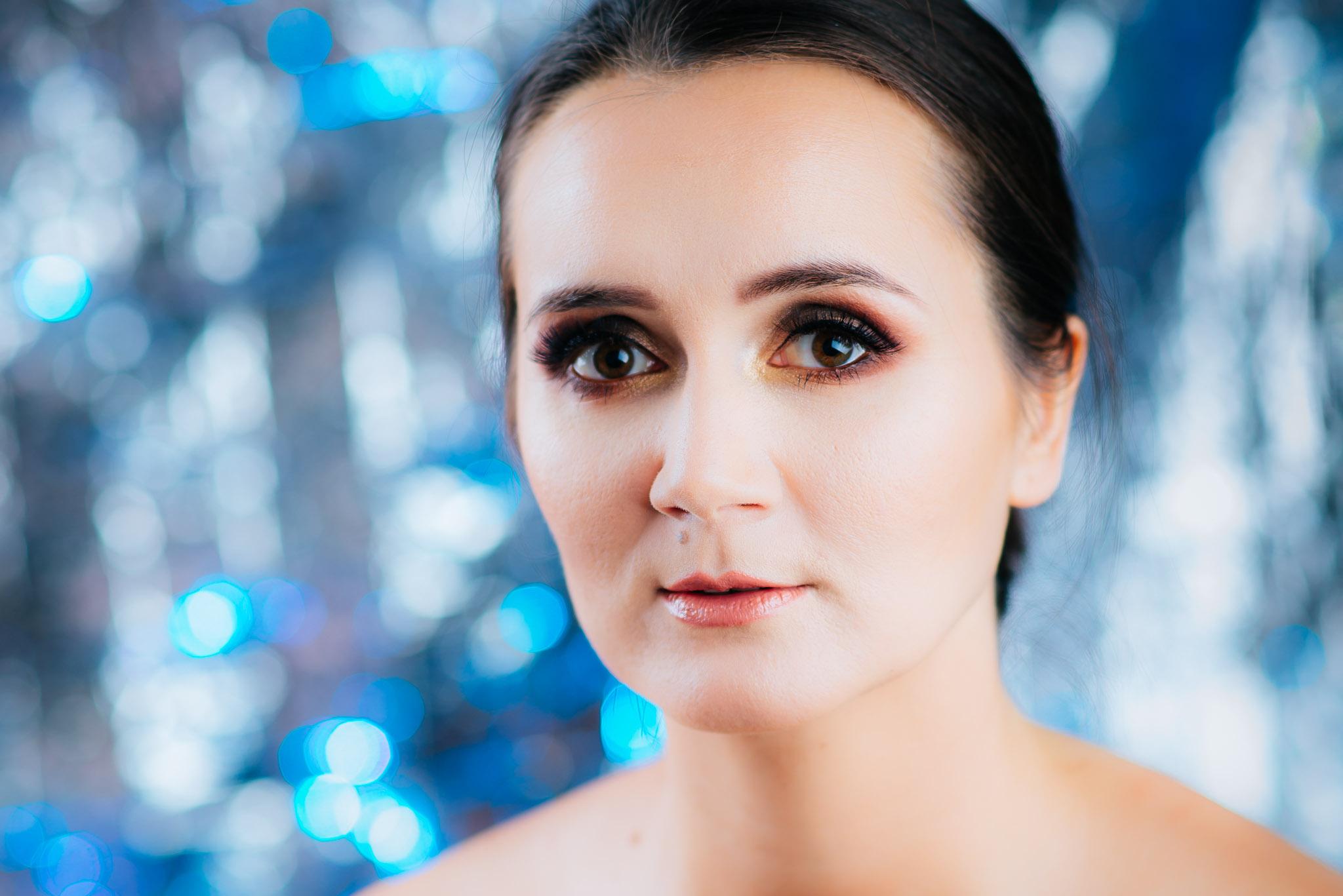 sesja beauty zrealizowana z dojazdem w mobilnym studiu w Nowym Mieście Lubawskim (warmińsko-mazurskie) mod. Magda Nitychoruk, mua Iwona Gorzka, fot. Rafał Nitychoruk