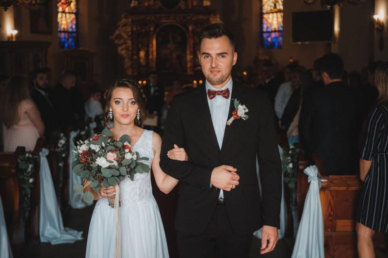 Przebieg ślubu kościelnego - wyjście Pary Młodej z kościoła