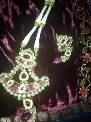 antique-gold-with-rubies-and-pearls-craftsbazaar-made-9