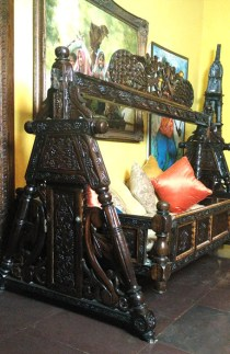 Antique Royal Paalna