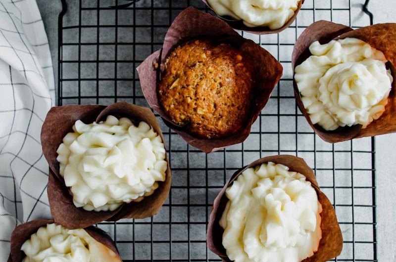 Сочни морковени мъфини и защо олиото е по-добрият ни приятел в печенето на сладкиши