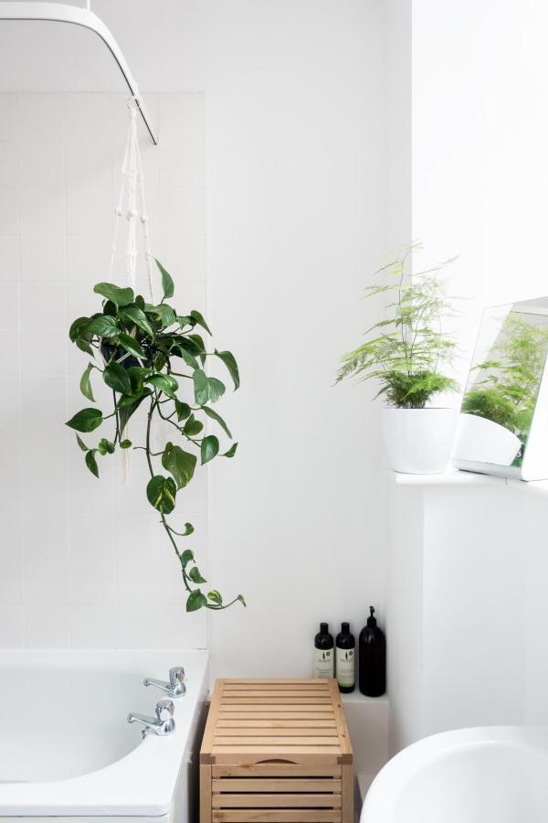Five Easy Bathroom Updates on apartment 34