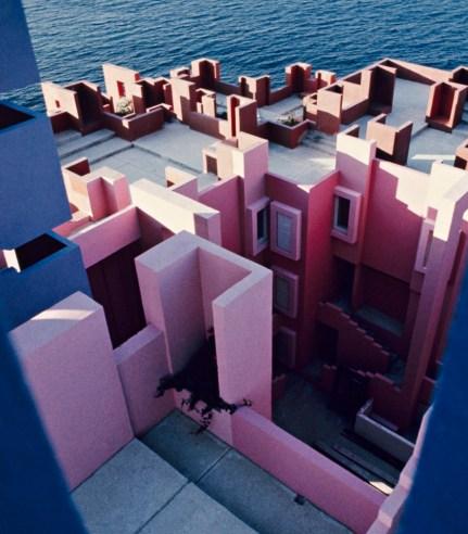 la_muralla_roja_calpe_alicante_spanish_modern_minimal_architecture_122