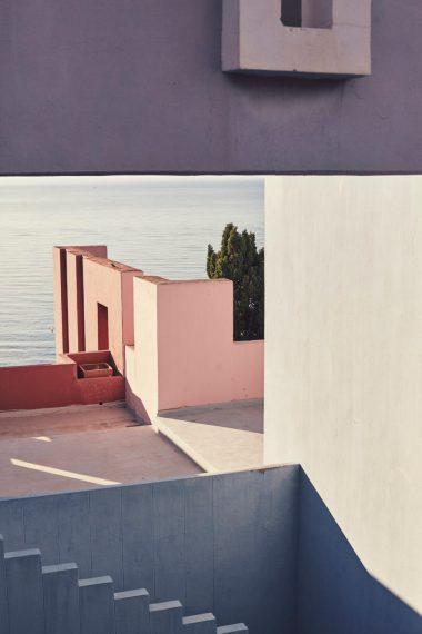 la_muralla_roja_calpe_alicante_spanish_modern_minimal_architecture_5