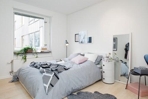 cozy-all-white-bedroom
