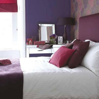 purple-aubergine-bedroom