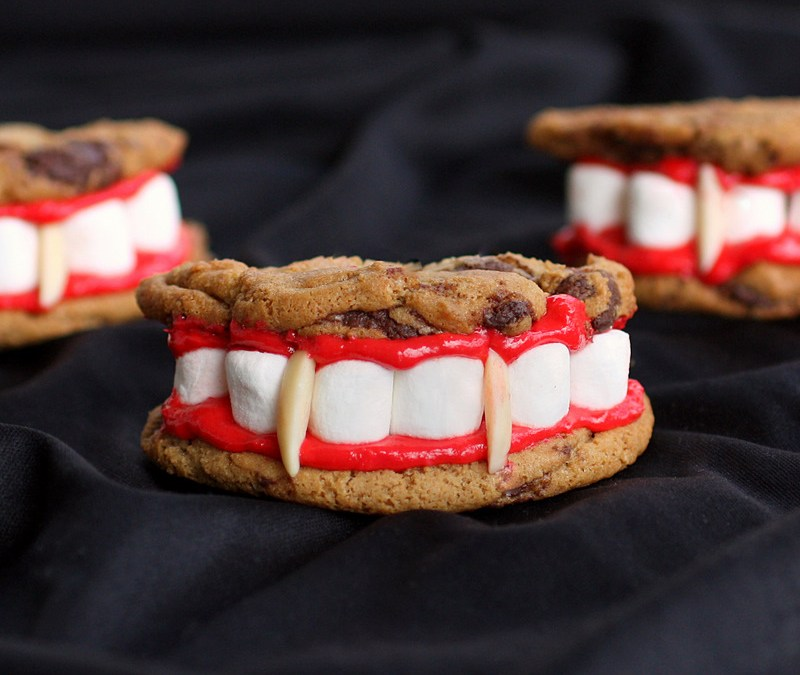 4 Halloween Desserts For The Kid In You