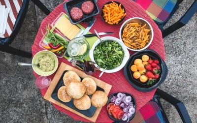 10 Tips For Hosting The Best Backyard Bash Ever