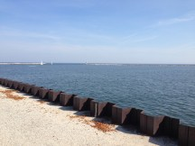 2_breakwall