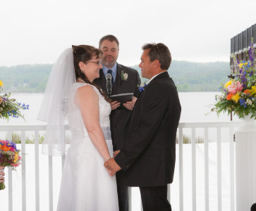 Mandy & Rich's Wedding Ceremony at the Rhinecliff Hotel