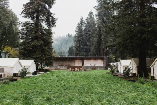 Sized_Autocamp_Tents-and-Lodge