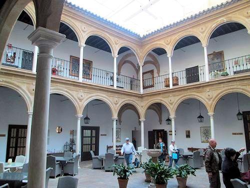 Interior courtyard of paradore