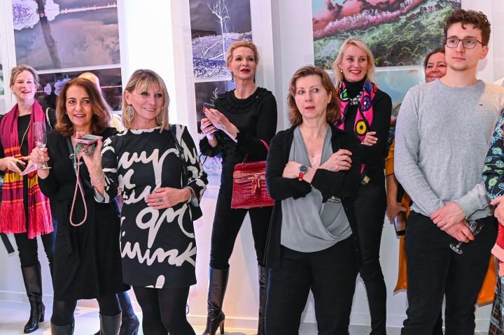 Gaeste Vernissage der Ausstellung von NANNA KUCKUCK - Photography and Textile Landscape, Hotel Ellington, Berlin, 06.03.2020 Foto: Eva Oertwig / SCHROEWIG