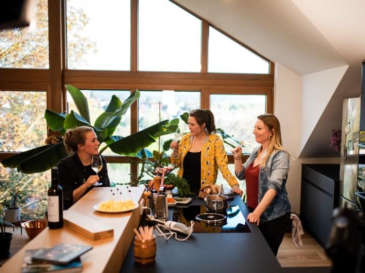Virtuelle Weinprobe: Viola, Luisa und Astrid