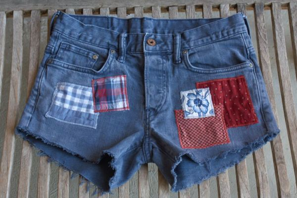 blue patched cut-off shorts 32in waist