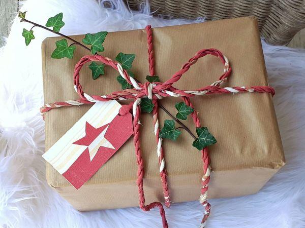 christmas star twine and tags