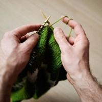 Et depuis quand les hommes tricotent ?