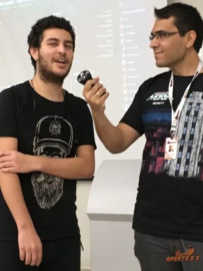 O Vinicius foi um dos muitos que acompanhou todos os momentos do torneio de LOL pelo telão montado para os fãs!