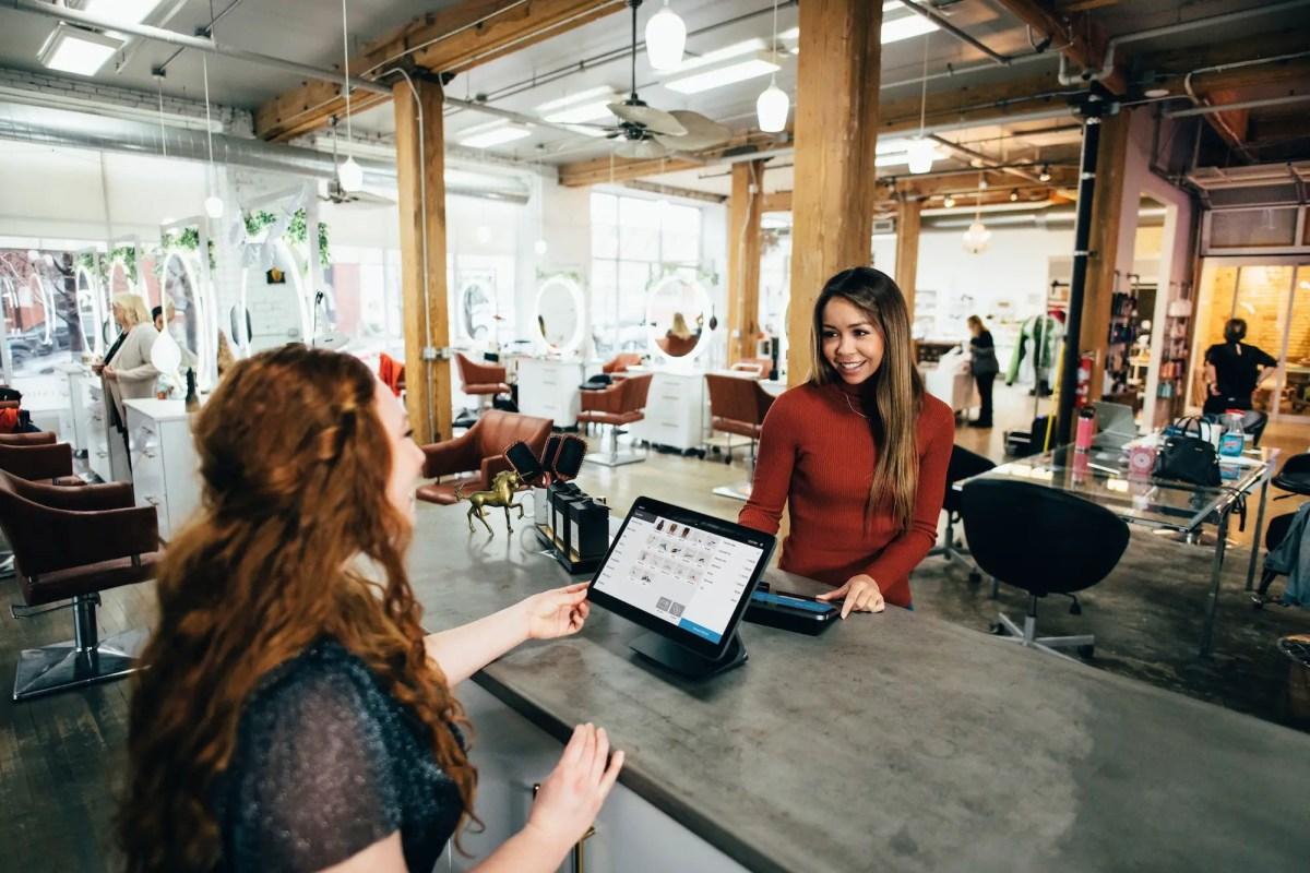 ¿Cómo pueden las pymes mejorar la experiencia del empleado?