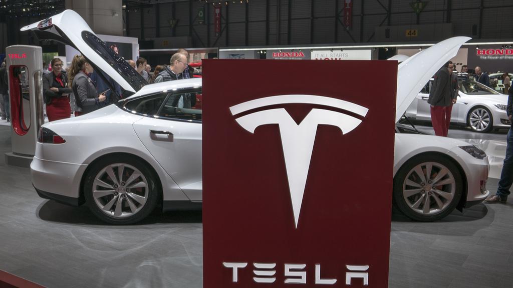 El PP pide que Torrent se ofrezca para acoger la factoría de Tesla Motors en Europa