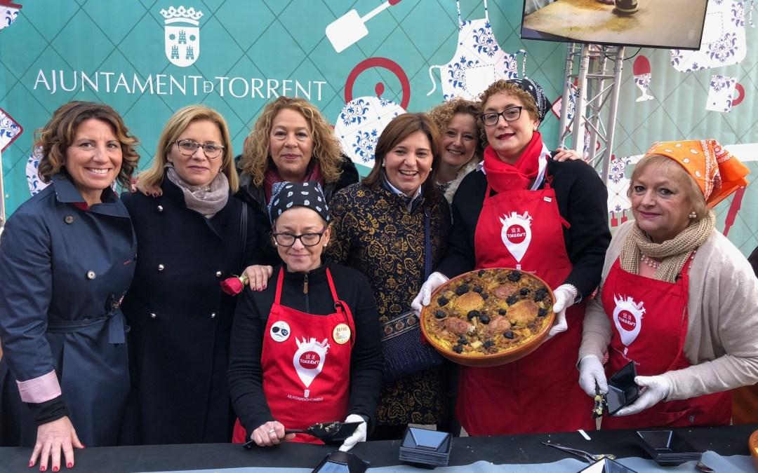 La presidenta del PPCV Isabel Bonig visita Torrent por Sant Blai