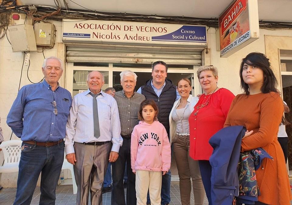 El PP con los vecinos de Nicolás Andreu en su 40 Aniversario