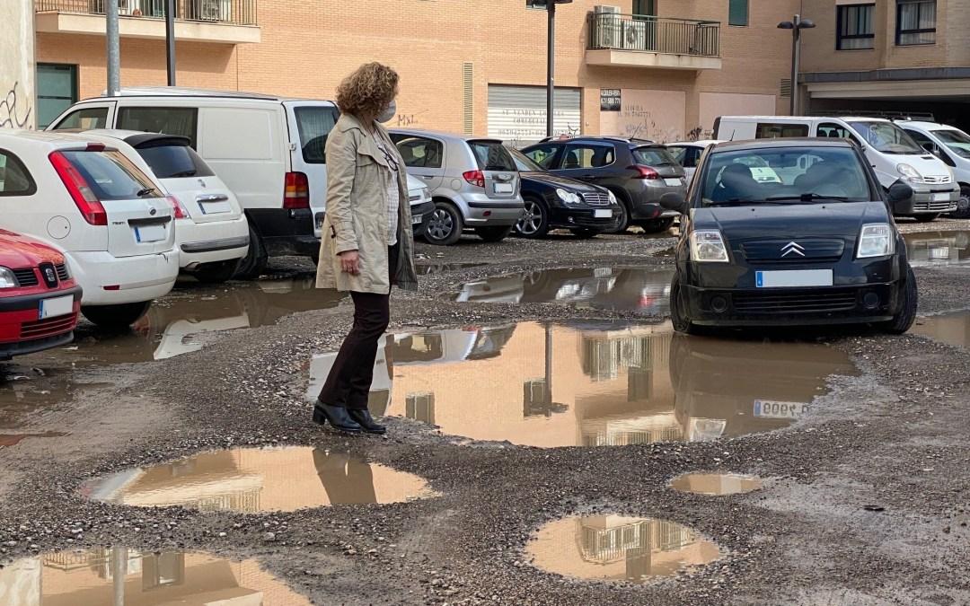 El PP vuelve a reclamar el asfaltado de los aparcamientos en solares cedidos al Ayuntamiento