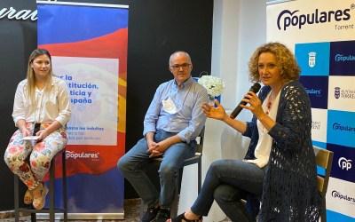 Los jóvenes del PP de Torrent debaten con el senador Fernando de Rosa