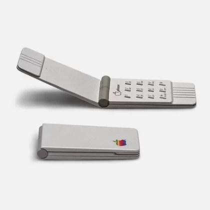 Apple Flip-Phone