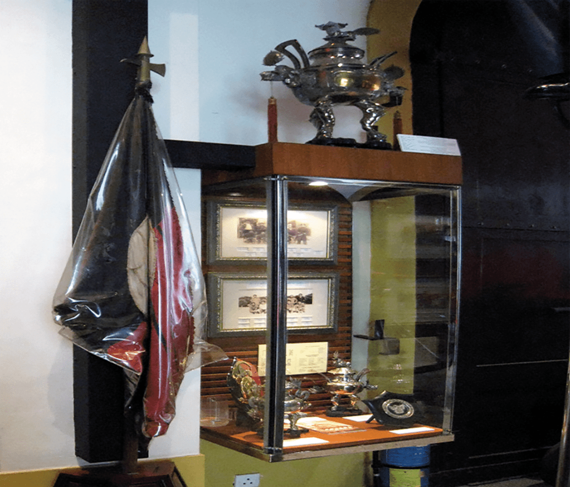 There are more than 700 exhibits in the Museum.